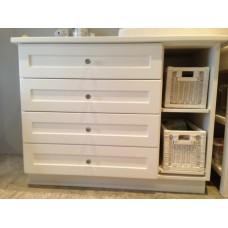 Compactum with Baskets